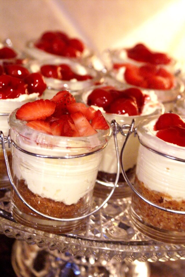 Strawberry Cheescake in jars.