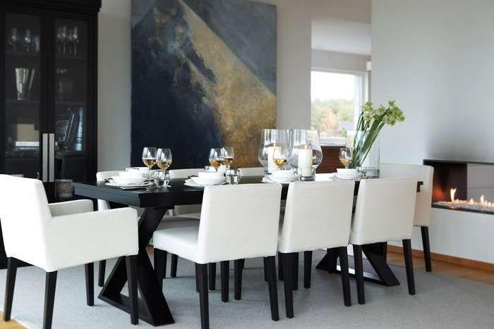 black and white dining http://www.slettvoll.no/om-slettvoll-#/kolleksjon/spisebord