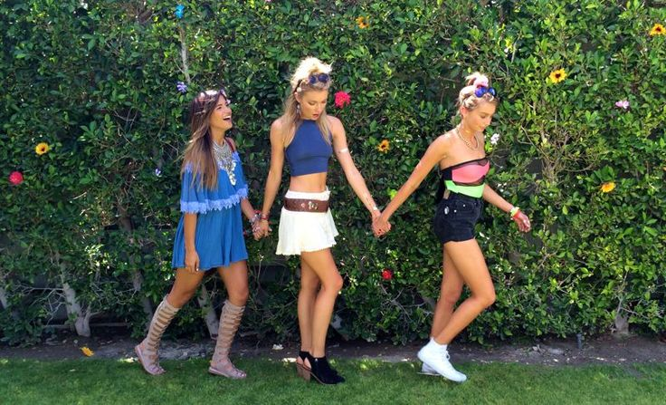 Coachella Weekend 1 was all about the pool parties with my ladies. We fluttered around the desert keeping cool by the pool, and seeing some amazing performances (Azealia Banks at Forever21,…