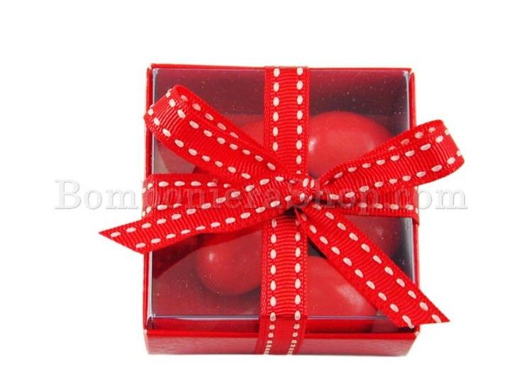 Scatolina rossa con interno in pvc con confetti inclusi