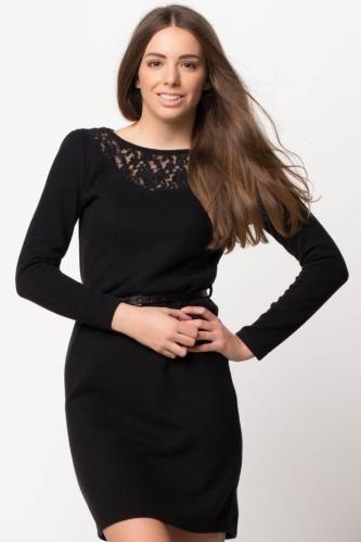 Elbise - Dantel İşlemeli Elbise