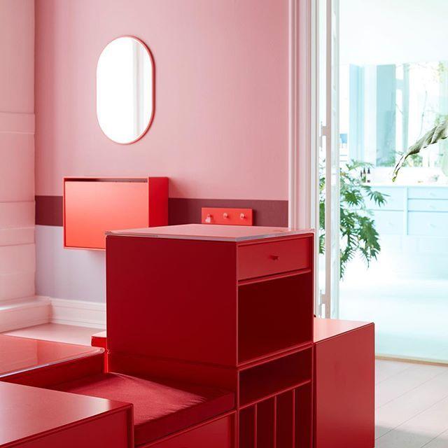 Explore 12 rooms of vibrant colours and endless possibilities. #montanafurniture #danishdesign #bredgade #interiorinspiration #homedecor #interiordesign #interiordecor