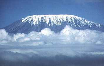 Grimper sur le Kilimandjaro, avant qu'il ne soit plus jamais enneigé...