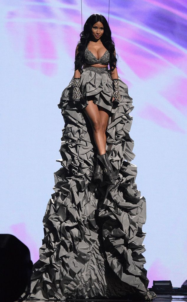 The Only Thing You Need to Know About the 2014 MTV EMAs Is That Nicki Minaj Had Insane Cleavage | E! Online Mobile