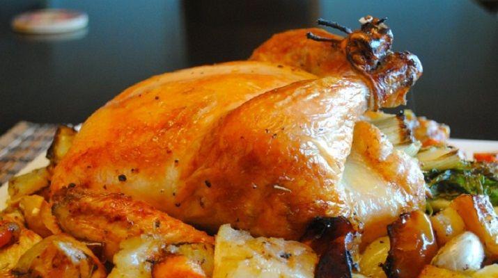 5 секретов вкусной курицы, запеченной целиком