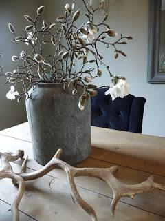 Magnoliatakken in stoere pot