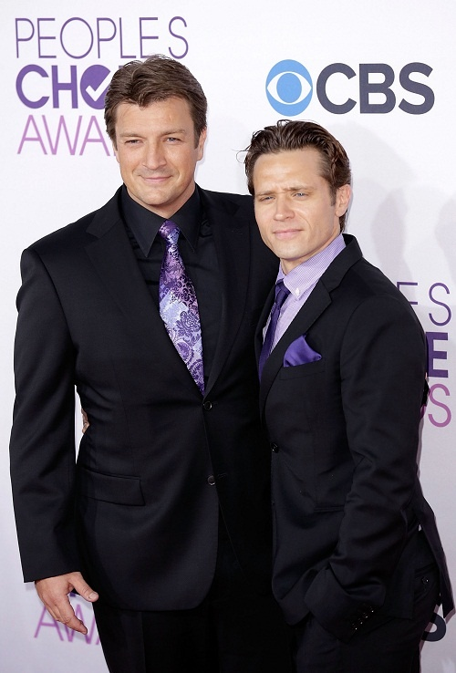 TV Stars on the Red Carpet: The Top 20 Looks From the People's Choice Awards #Castle Nathan Fillion & Seamus Dever