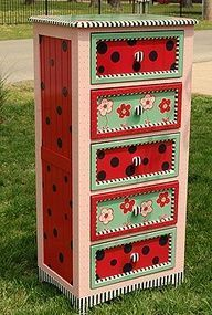 Whimsical Hand Painted Art Furniture Whimsical Hand Painted Art Furniture Brightly Painted Gir Mobilier De Salon Meubles Peints A La Main Decoration Meuble