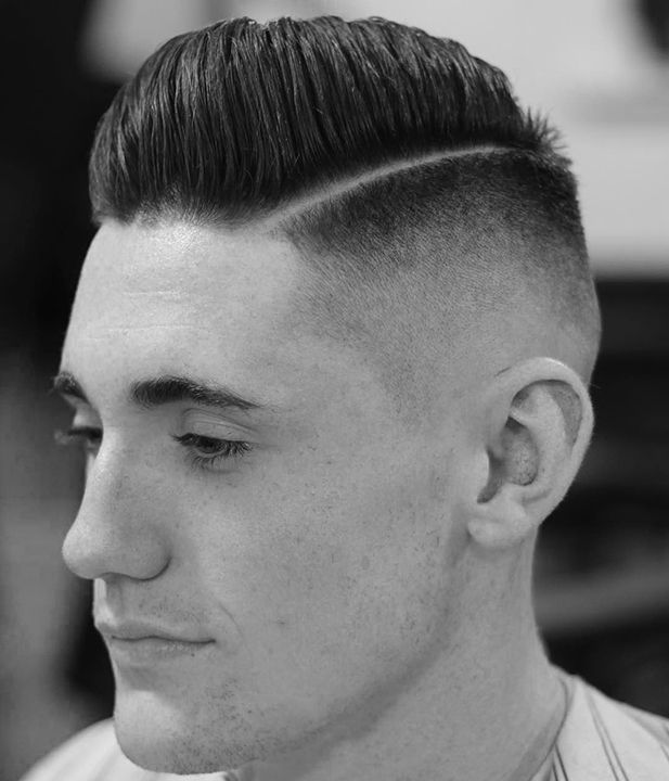 Cukur rambut dengan gaya militer menjadi salah satu pilihan gentlemen. Tertarik dengan gaya rambut diatas? Pimp your hair @ deburos Barbershop Jatinangor. #cukurrambut #barbershop #jatinangor