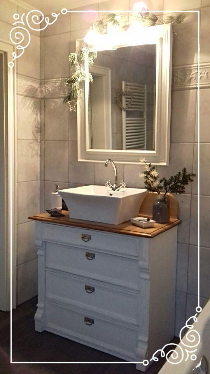 Als Vintage Möbel Liebhaberin Und Verkäuferin Poste Ich Hier Regelmäßig Aus Meinem Herrlichen Arbei Shabby Chic Badezimmer Badmöbel Landhaus Badezimmer Shabby