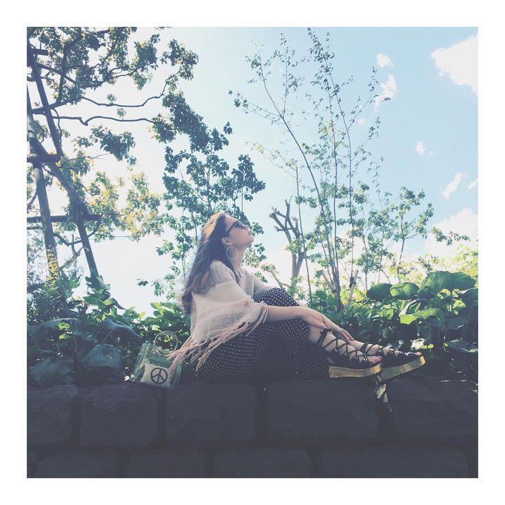 """820 Me gusta, 20 comentarios - 安田レイ (@yasudarei) en Instagram: """"この季節ほんとうに好き。 * 今日は特に気持ちよかったね🌞 * #ootd * #ADSR #alicemccall #アリスマッコール #zara #ザラ #katmaconie…"""""""