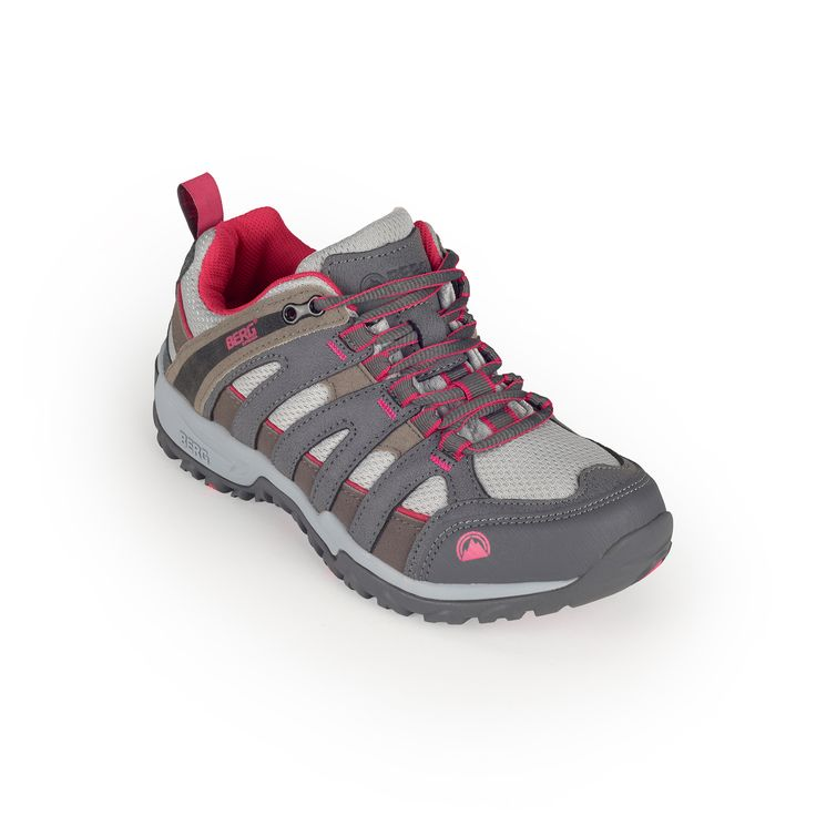 This classic outdoor sneaker is set to deliver great grip and comfort in low-medium technical trails and urban treks.