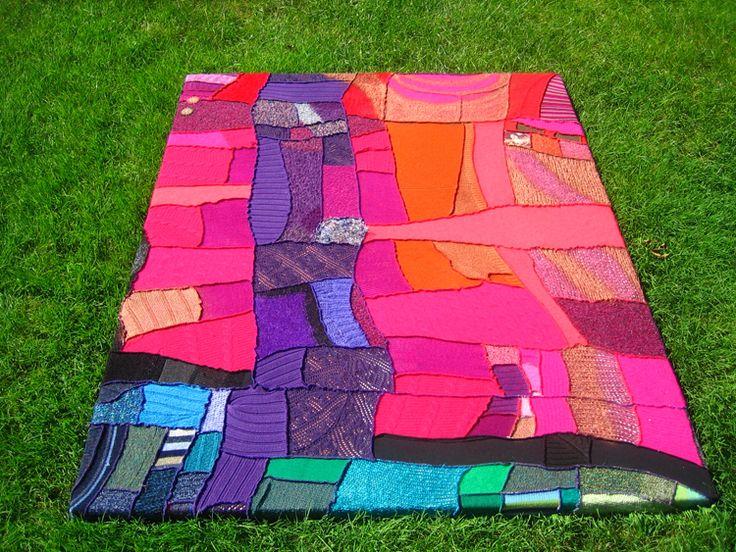 Patchwork blanket from recycled sweaters (Katwise)