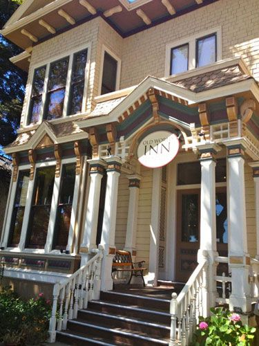 Stay at Napa Valley's, Historic Landmark 1874 Victorian Old World Inn Bed and Breakfast. Located in the heart of downtown Napa and walking distance to the Napa Valley Wine Train. #TMOM