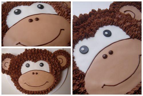 Apetrots op mijn tweede verjaardagstaart voor Nika. Hieperdepiep! Chocolade cake * Chocolade crème au beurre * Suikerpasta topping