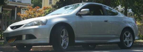 Make:  Acura Model:  RSX Year:  2006 Body Style:  Coupe Exterior Color: Gray Interior Color: Black Doors: Two Door Vehicle Condition: Good   For More Info Visit: http://UnitedCarExchange.com/a1/2006-Acura-RSX-513529479323