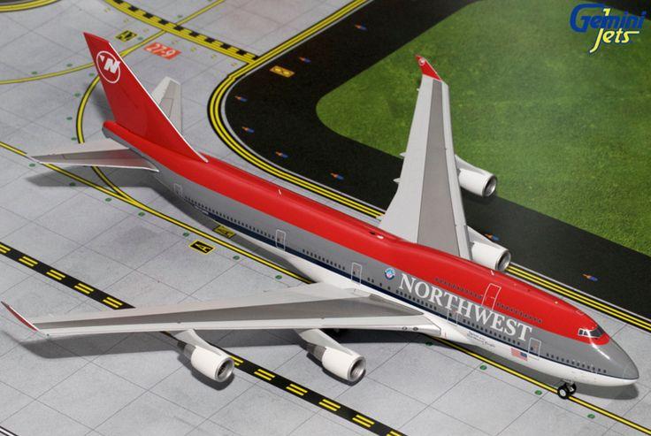 1/200 GeminiJets Northwest Airlines Boeing 747-400 Diecast Model