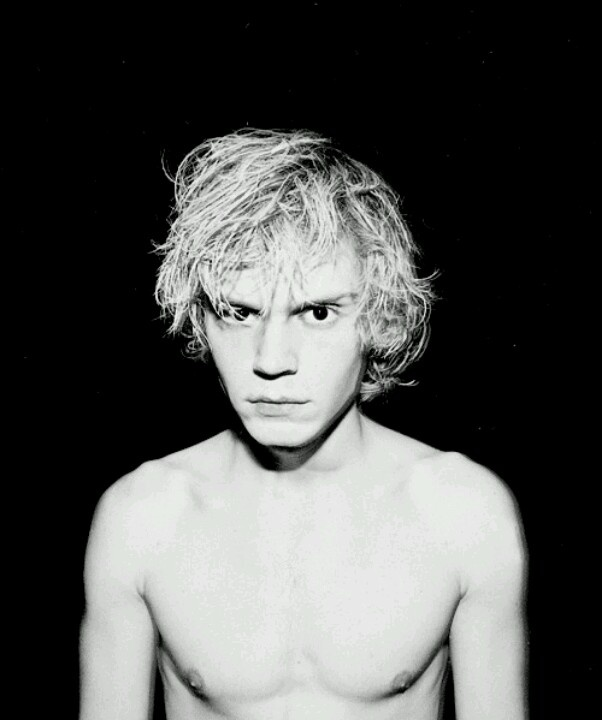 Evan peters <3