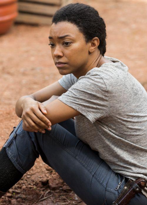 """ Sasha Williams in The Walking Dead Season 7 Episode 5 | Go Getters """