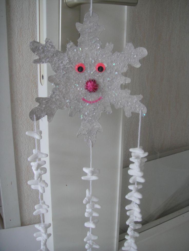 Flocon de neige http://nounoudescimes.canalblog.com/