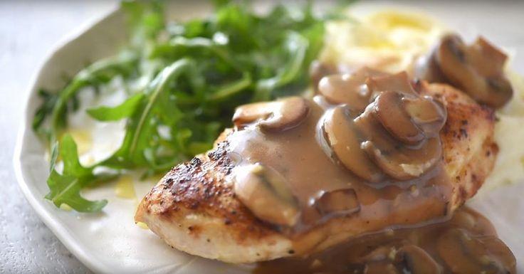 Poitrines de poulet dans une sauce aux champignons, un repas pas compliqué et toujours apprécié! - Recettes - Ma Fourchette