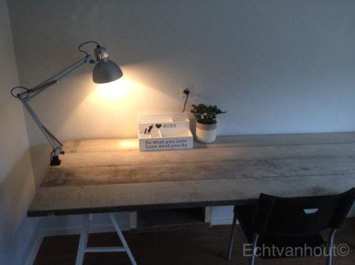 Bureau van steigerhout op maat met metalen schragen (wit of grijs) made by #echtvanhout