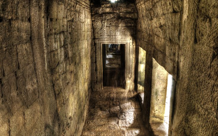 Old Homes With Secret Passages Mysterious Passageway At