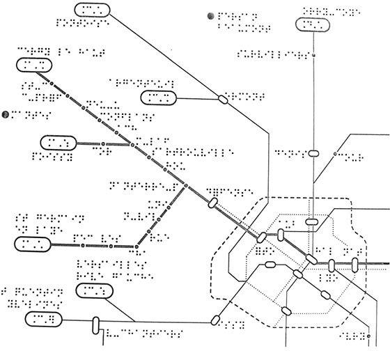 Image : plan du réseau parisien en Braille.