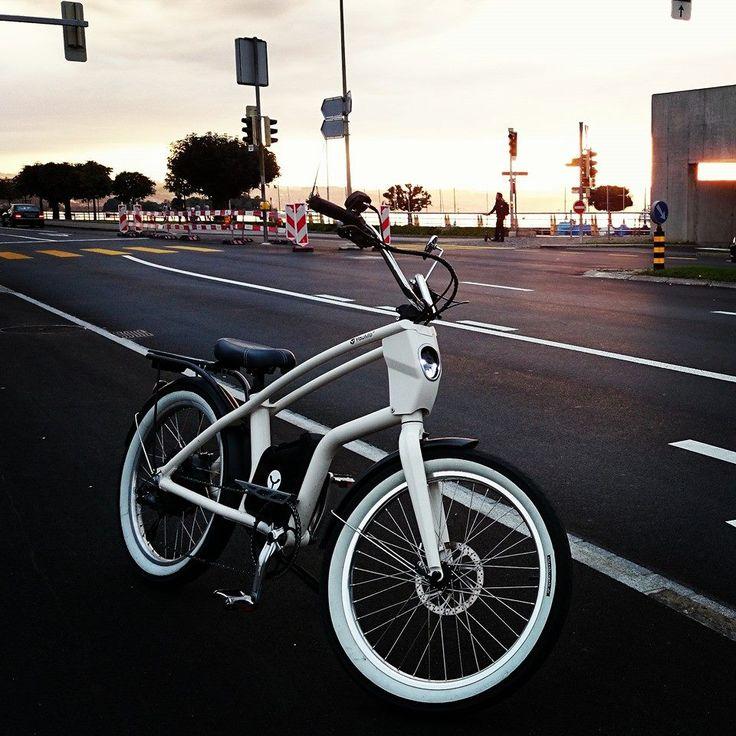 Was gibt es besseres als mit dem YouMo nach einem anstrengenden Arbeitstag gemütlich nach Hause zu fahren... #YouMo #eCruiser #eBike #RideYouMo