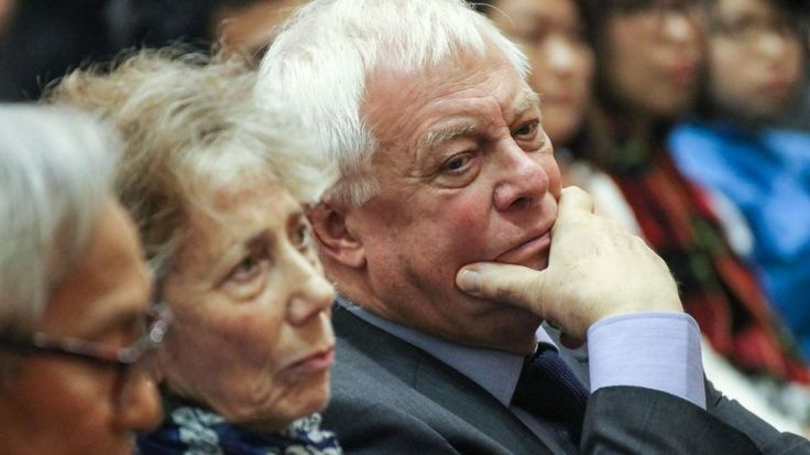 Chris Patten to students: Hong Kong is not a nation state, do not deceive yourself --- Chris Patten did not mince words when he addressed students about independence. Photo: Felix Wong