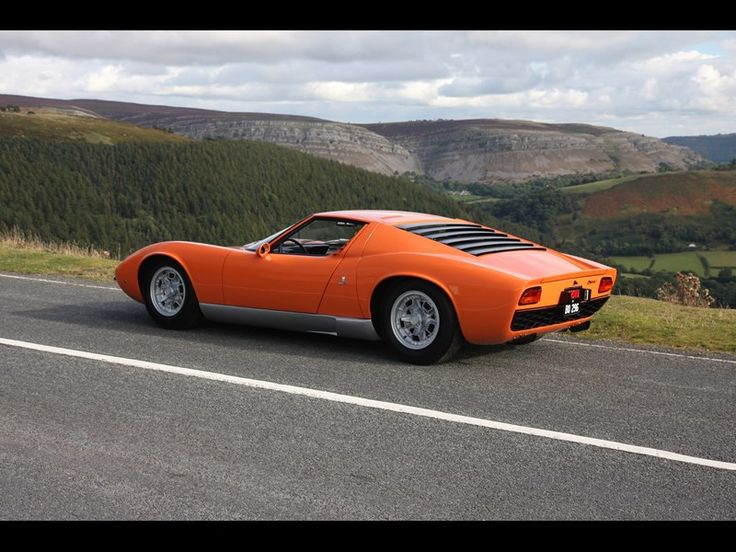 Italian Job Lamborghini Miura up for sale | Classic Cars For Sale UK