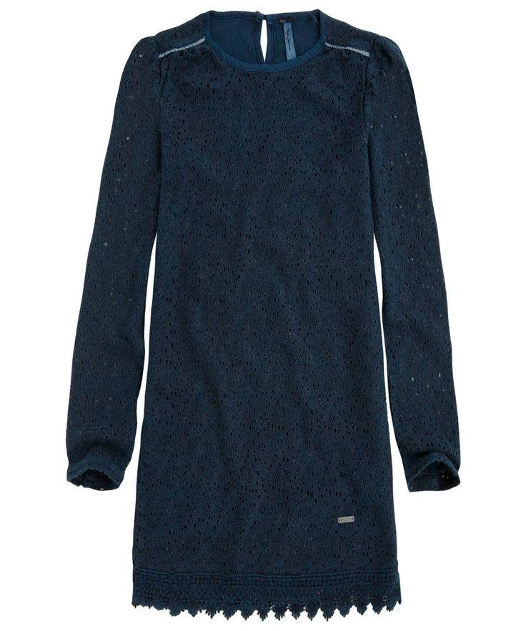 VESTITI PEPE JEANS JUNIOR,  #Vestito da #bambina e da #ragazza in #pizzo di #colore #blue #marine, manica lunga, scollo rotondo, orlo polsini e fondo con motivo #stile greca, #targhetta #logo. #pepejeans #pepejeansjunior #pepejeanskids #pepejeansdress  http://www.abbigliamento-bambini.eu/compra/vestito-pepe-jeans-junior-2973599