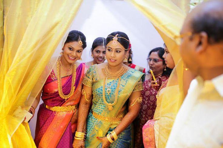 South Indian bride. Silk kanchipuram sari. Hindu bride.