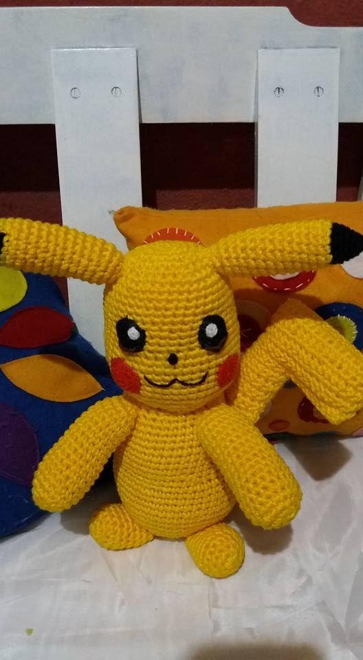 Comece a confecção desse Pikachu a pedido do meu Neto, que graças a mim começou a assistir Pokemón  e hoje é fã, e de repente os pedidos foram chegando, fiquei feliz e muito agradecida!