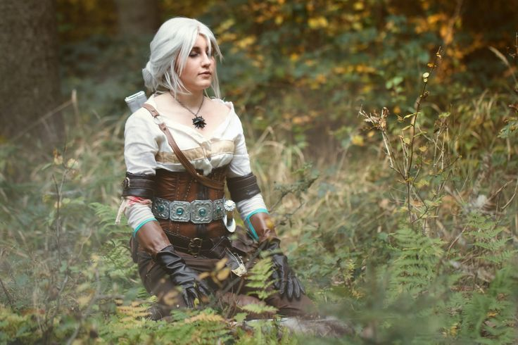meditating Ciri (Juriet Cosplay)