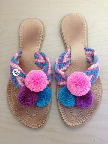 Rosa Pompom Flip-Flops