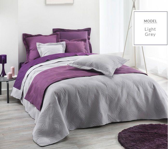 Prehoz na manželskú posteľ v sivej farbe