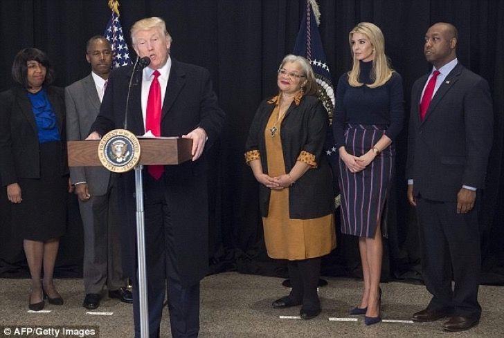 Ivanka Trump debutó como Primera Dama con un atuendo muy patriótico y las redes sociales explotaron