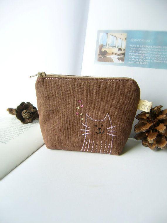 Cat purse / Small zipper purse / Coin purse zipper / by DooDesign, $12.00