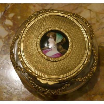 Bonbonnière Au Portrait Sur Porcelaine