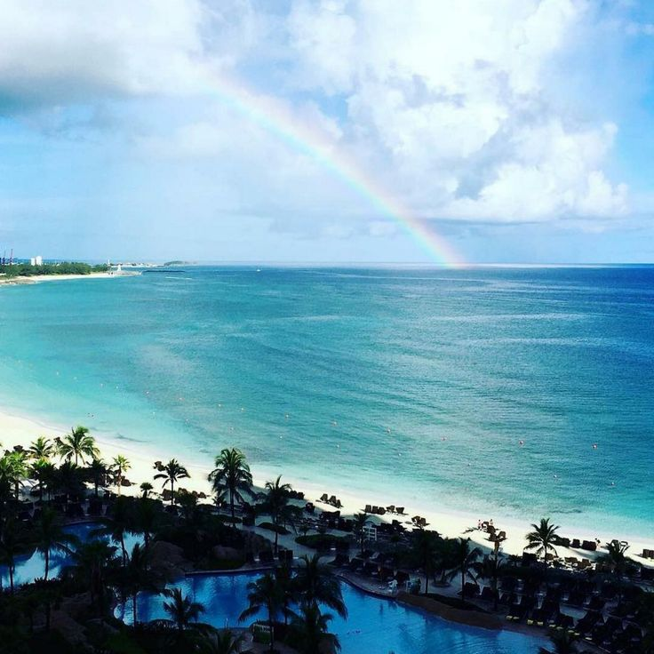 Paradise is always at the end of the rainbow! (Photo: @emholder)