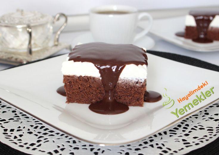 Videolu Büyük Borcamda Ağlayan Pasta Ağlayan Pasta Tarifi için  Malzemeler. 4 adet yumurta (oda sıcaklığında olsun  )     1,5 su bardağı  toz şeker     2 su bardagi un ( yumurtanın büyüklüğüne göre unun ölçüsü biraz degişebilir )1 su bardağı  süt  1 su bardağı  sıvıyağ     3 (silme) çorba kaşığı  kakao 1 paket kabartma tozu     1 paket şekerli vanilinKeki ıslatmak için 1 su bardağı süt Kreması için  2 paket kremşanti     1,5 su bardağından 1 parmak eksik süt 250 gr mascarpone veya labne…