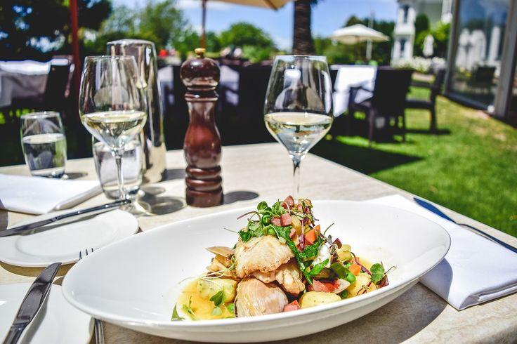 We are all about delicious food and fine wine. #NewZealandwalkingtours #WalkingNewZealand #NewZealandVacations