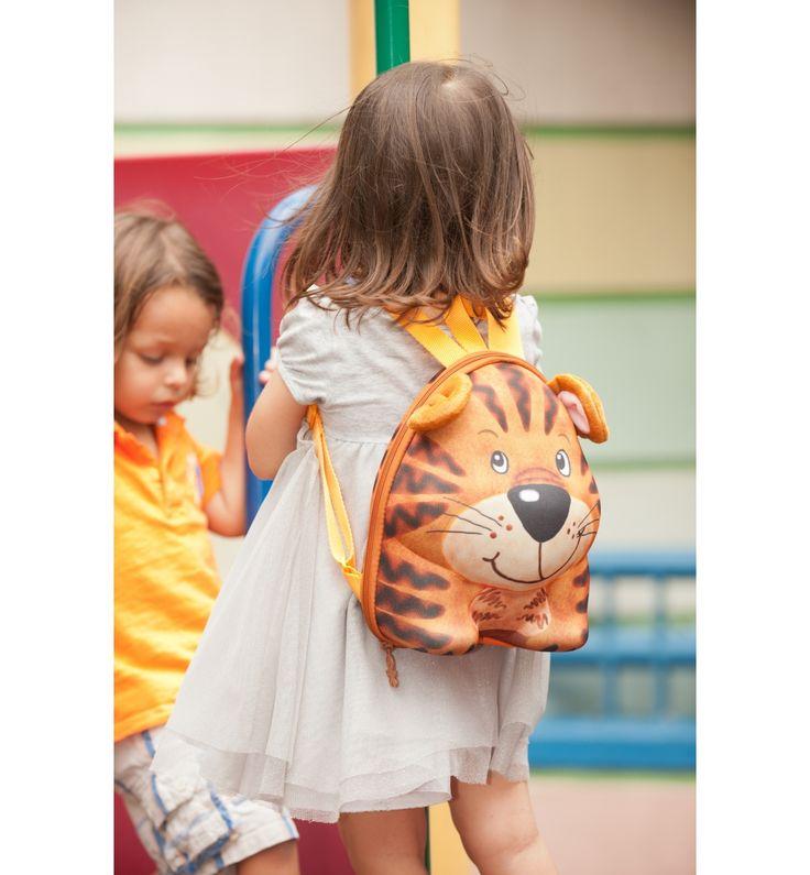 Okiedog Wildpack #Backpack #Tiger Rp 249.000. #baby #shop  Okiedog Wildpack Backpack Tiger adalah backpack stylish untuk anak usia 2-4 tahun yang didesain unik dan water resistant dalam fun 3D Tiger character dengan adorable face, plush ears, dan adjustable shoulder straps, serta dilengkapi interior write-on name tag dan interior mesh pocket untuk membawa pakaian perlengkapan si kecil saat bepergian.
