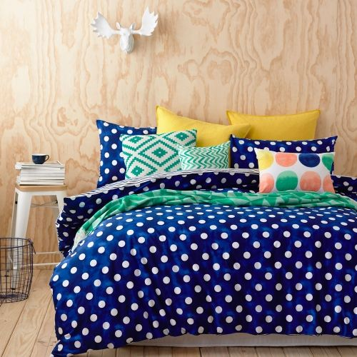 Quilt+Covers+&+Coverlets+Makeely+Bedroom Gah I cannot decide between this or plain!!