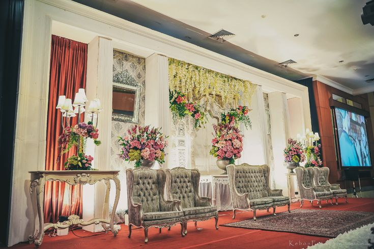 Safitri + Adiel | Wedding Day - pelaminan