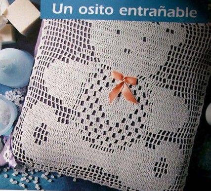 Crochet filet - Coussin ourson. Les 2 grilles sont disponibles sur le site