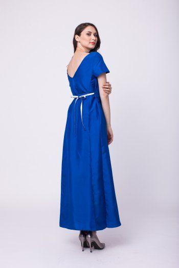 Silk long dress with mid-cut back and waist girdle