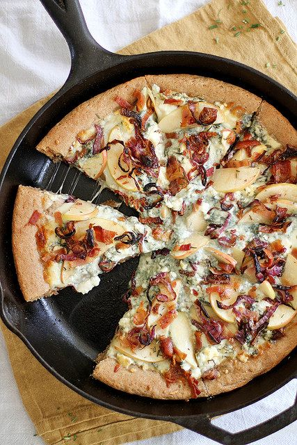 Caramelized Apple, Bacon and Blue Cheese Pan Pizza from @stephmwise