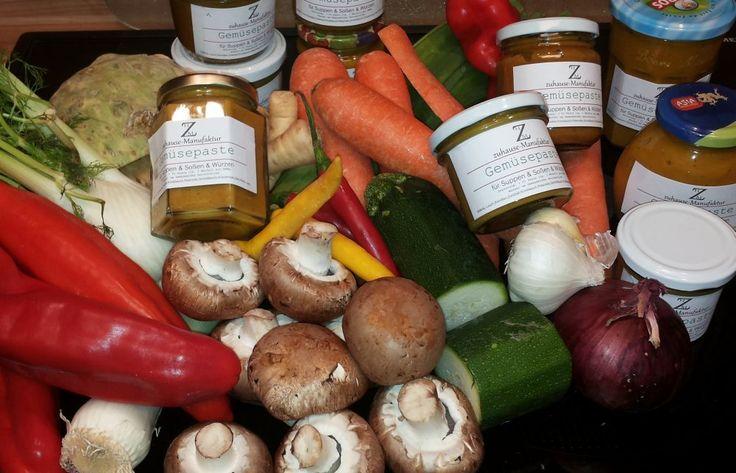Gemüsepaste, nur aus frischen Zutaten. Nie mehr gekörnte Brühe kaufen o.ä.  http://zuhause-manufaktur.blogspot.de/2014/12/gemusepaste.html#h=1765-1426533948459